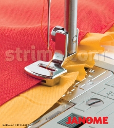 Sewing and shirring foot (for machines with shuttle hook)
