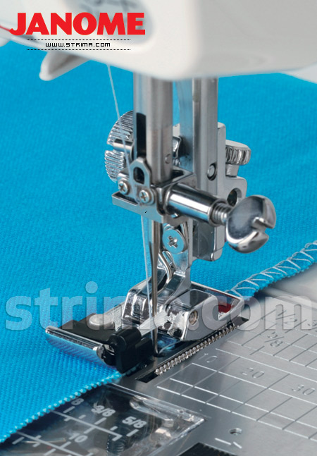 Foot for overlock stitch (for machines with rotary hook)