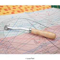 Tracing wheel 195 mm, serrated blade, wooden handle