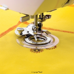 Flower stitch foot for household machine