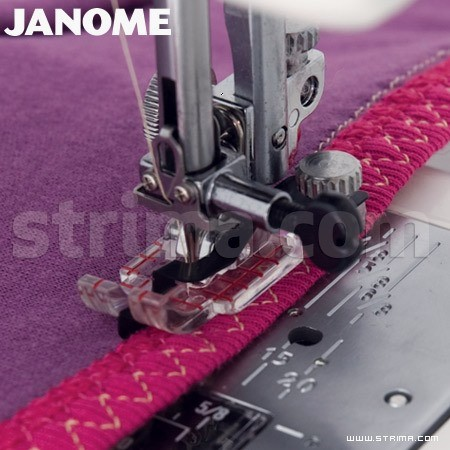 Foot with guides (for machines with 9 mm stitch width)