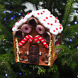 Hand-felted Christmas tree decoration - Gingerbread house